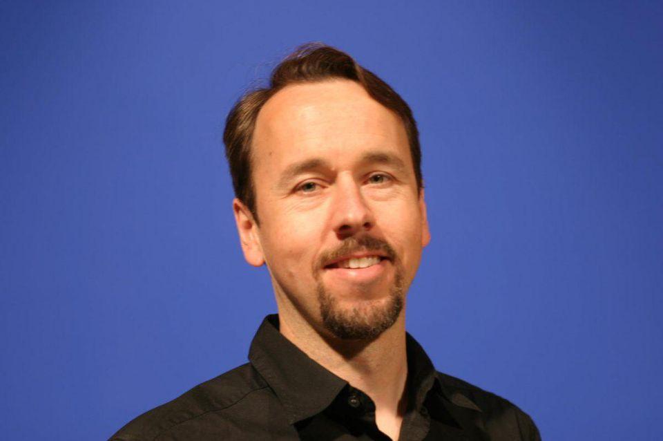 Dan Balzer uses storytelling to increase employee engagement